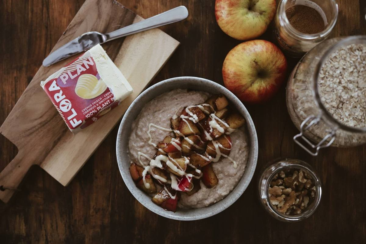recipe image Vegane Bratapfel Porridge Bowl